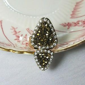 Avon statement ring size 10 Triangle Shape